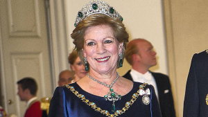 dronning anne-marie